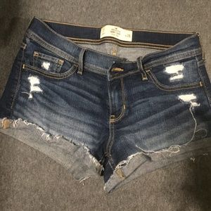 Hollister Low Rise Jean Short Shorts Size 7